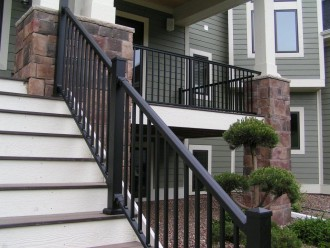 LaCrosse-Proj-Stair-Level-Rail-PICT3028-330x248